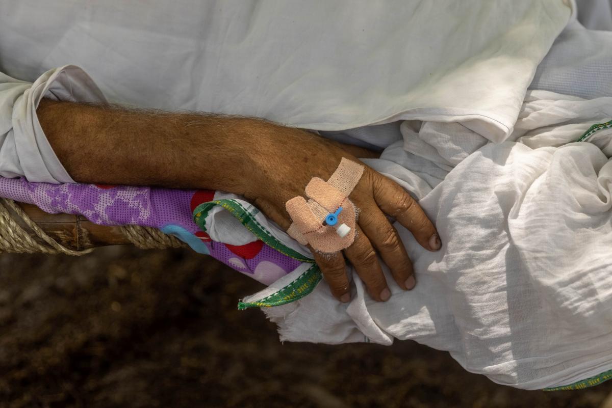 """Индийский штамм """"Дельта"""" может вызывать более тяжелое заболевание, чем другие разновидности COVID-19 / фото REUTERS"""
