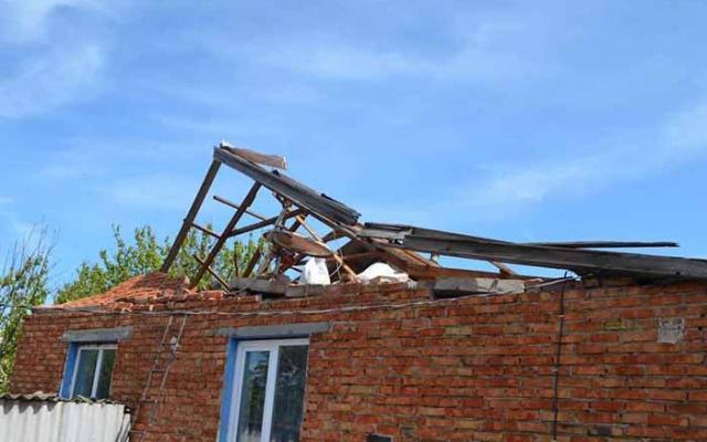 Ураган разбил крышу / Фото khersonci.com.ua
