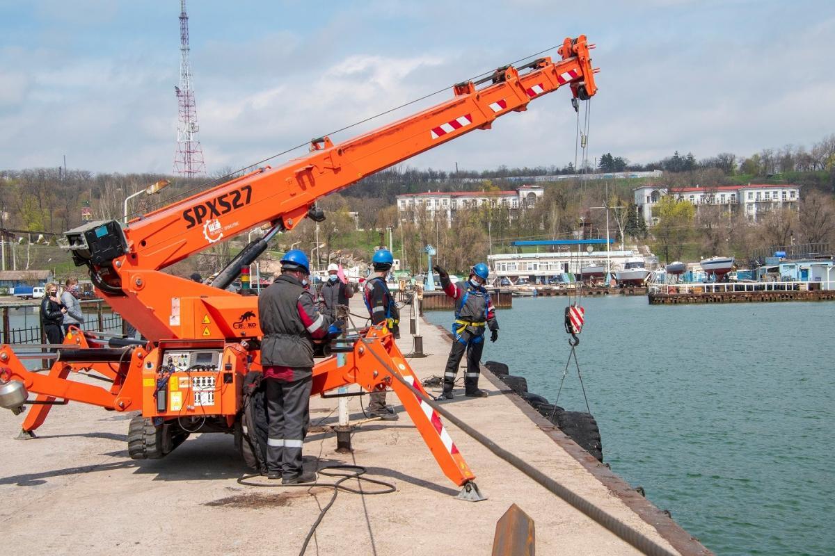Реконструкция пирса в Мариуполе / фото «Метинвест»