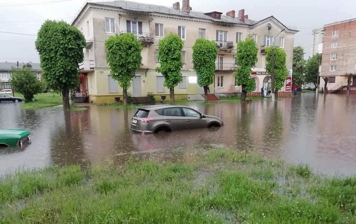 Машины плавали в воде / соцсети