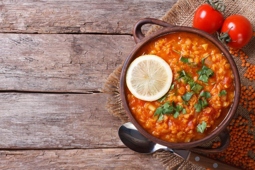 Суп из чечевицы с томатами / фото ua.depositphotos.com