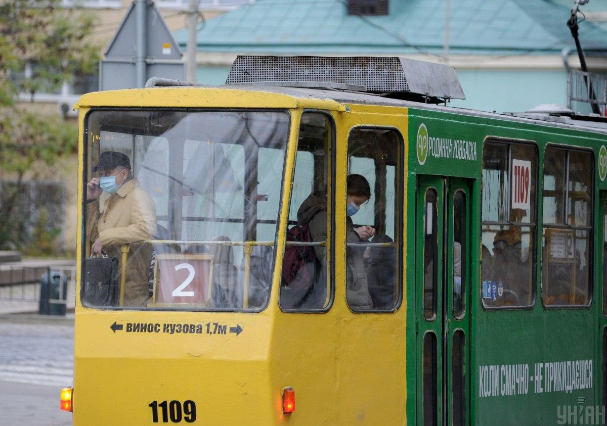 Пассажиром, который попал в потасовку из-за билета, оказался известный львовский журналист / фото - УНИАН