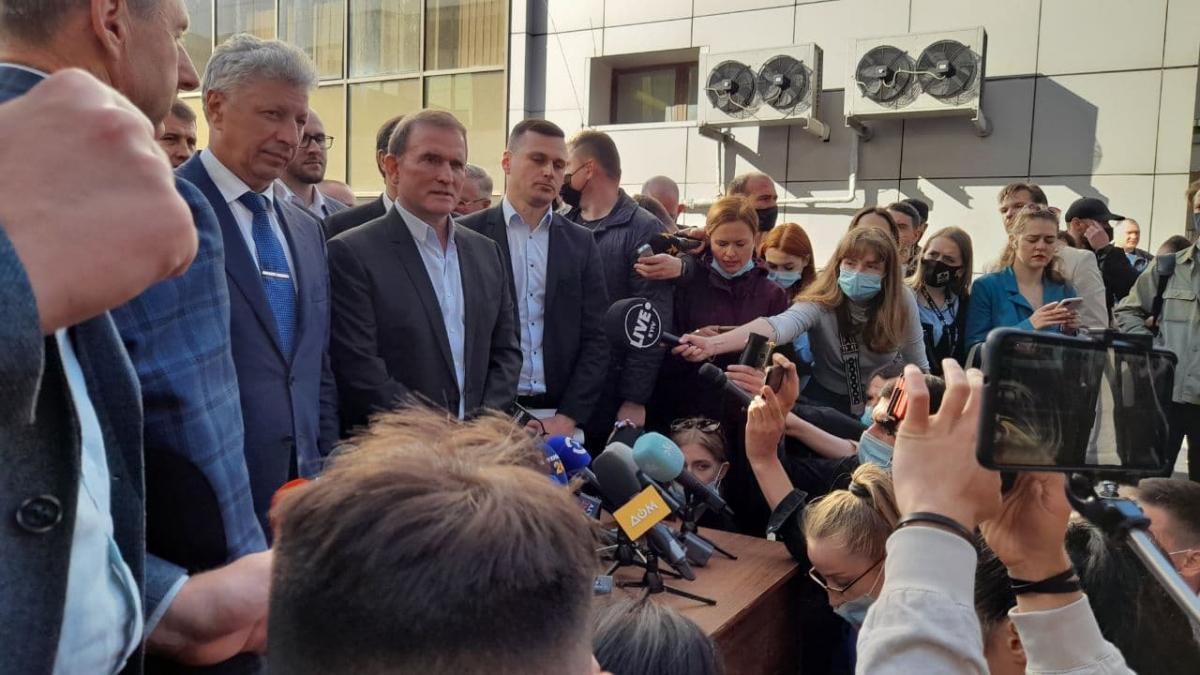 Медведчука залишили під цілодобовим домашнім арештом / фото - УНІАН, Дмитро Хилюк