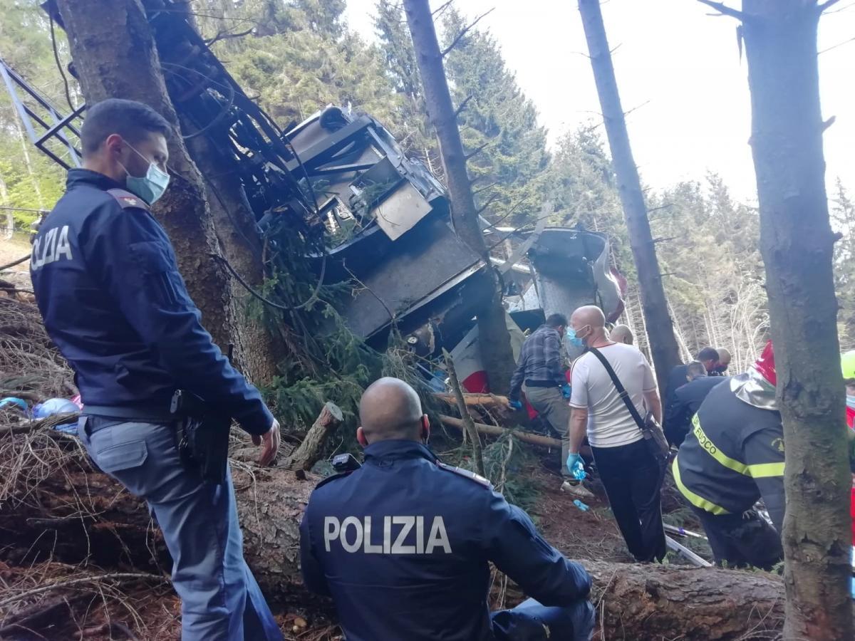 На канатной дороге в Италии оборвалась кабина / фото REUTERS
