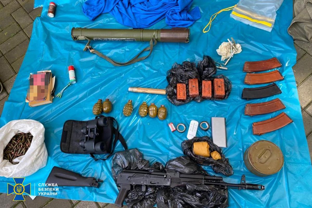 В центре Киева нашли схрон боеприпасов \ фото ssu.gov.ua