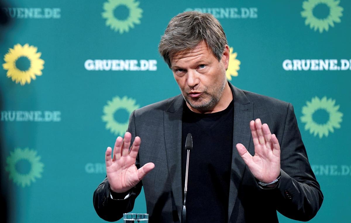 """Лидер """"Зеленых"""" объяснил, почему поддерживает вооружение Украины / фото: Reuters"""