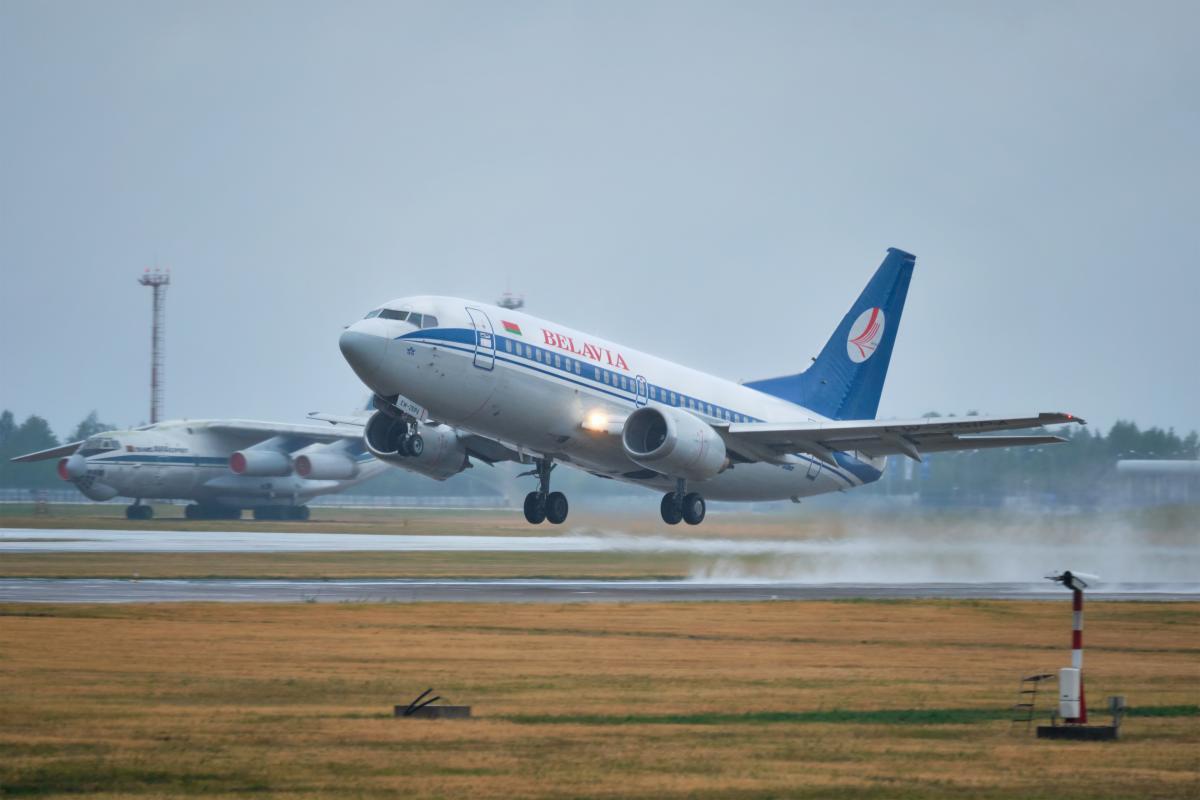 Украина закрывает небо для самолетов из Беларуси \ фото ua.depositphotos.com