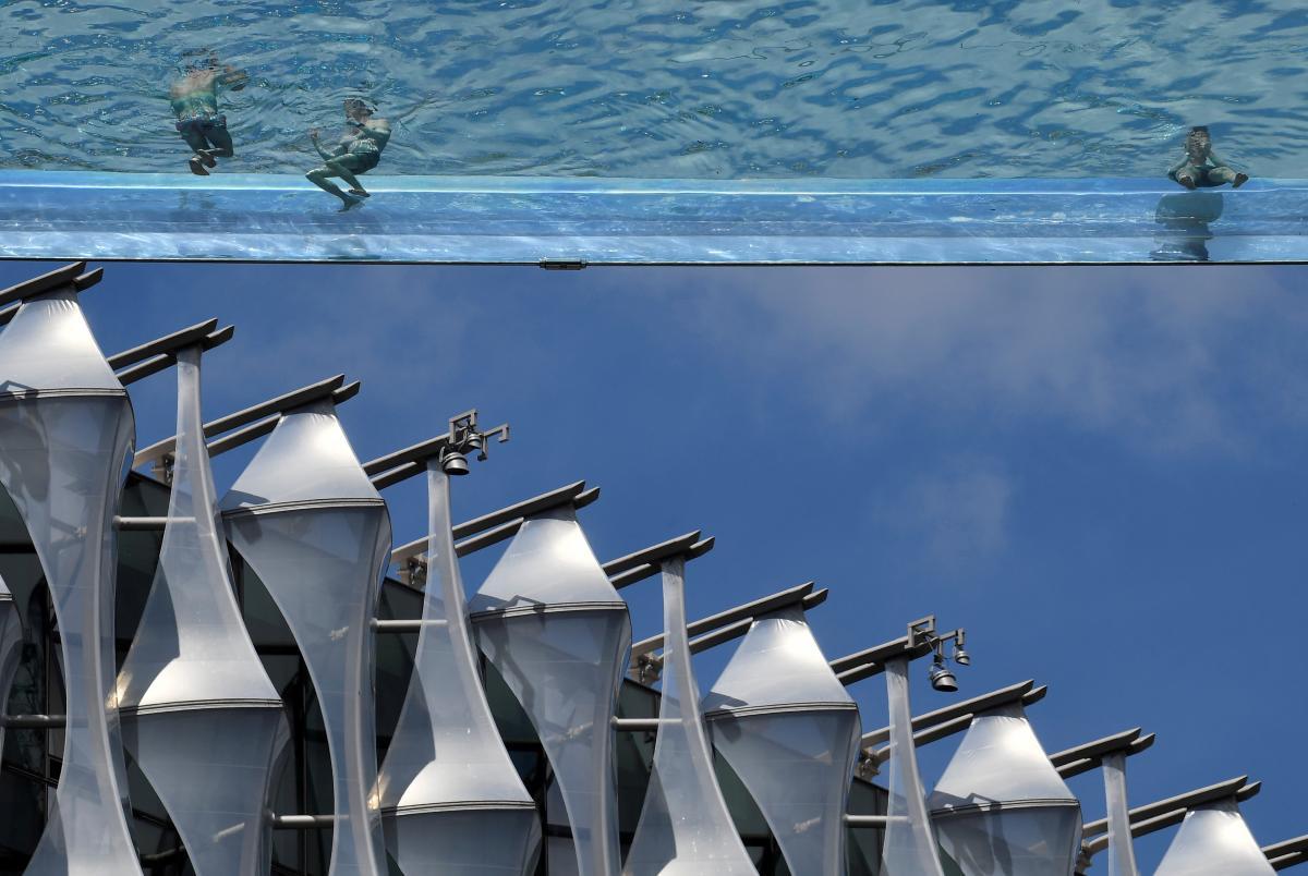 У Лондоні відкрився Небесний басейн / фото REUTERS