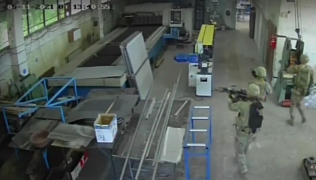 Американские военные вышли за периметр учений и забрели на предприятие / скриншот из видео, nova.bg