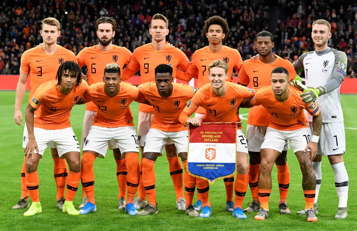 Сборная Нидерландов перед матчем с Эстонией в отборе к Евро-2020 / фото REUTERS