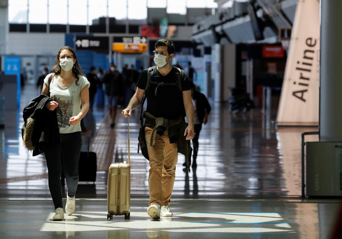 Украинцам смягчили условия въезда из-за границы / фото REUTERS