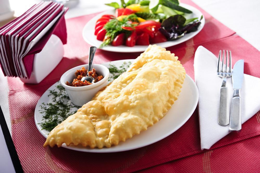 Еще один важный тренд, который активно развивается благодаря качественным сервисам – это доставка еды / фото ua.depositphotos.com