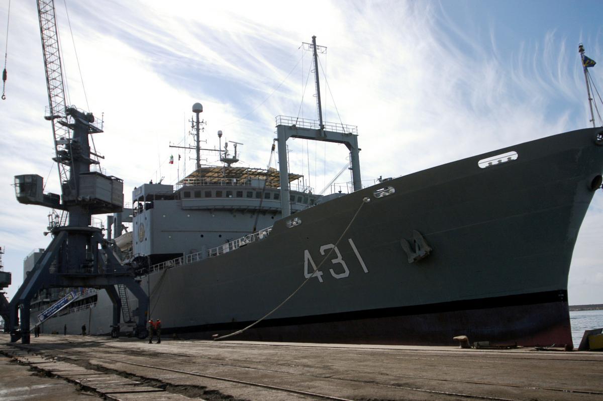 В Оманском заливе затонул иранский военный корабль / фото REUTERS