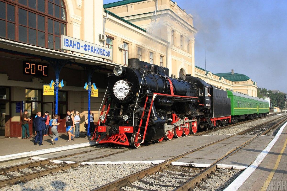 Поїзд Івано-Франківськ - Ківерці запустили в травні2021 року / фото УНІАН (Тарас Кашуба)