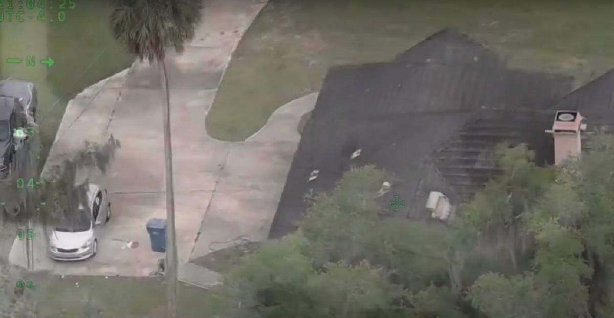 Во Флориде дети устроили перестрелку с полицией, вломившись в чужой дом и захватив оружие / скриншот