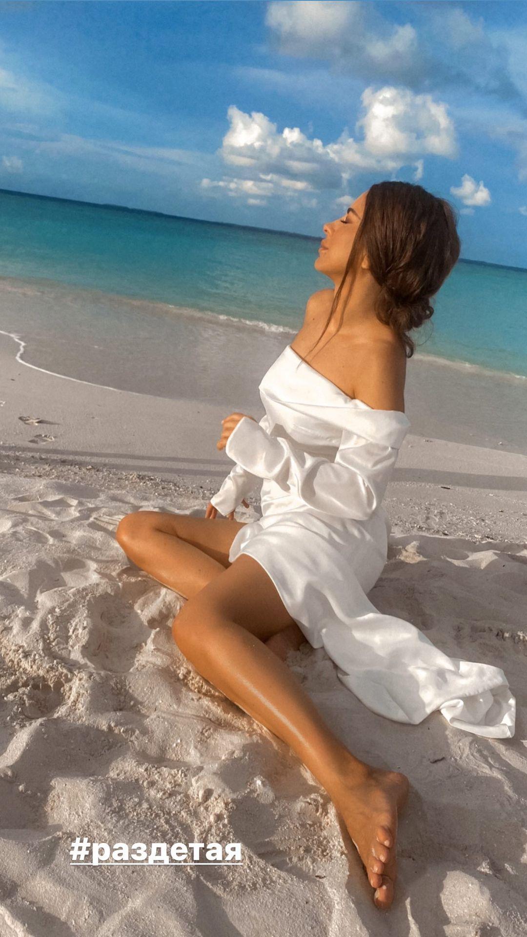 Лорак предстала в шикарном платье / фото instagram.com/anilorak