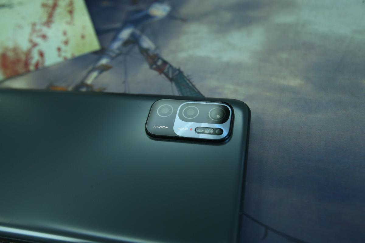 Тройной блок камер наXiaomi Redmi Note 10 5G /фото УНИАН