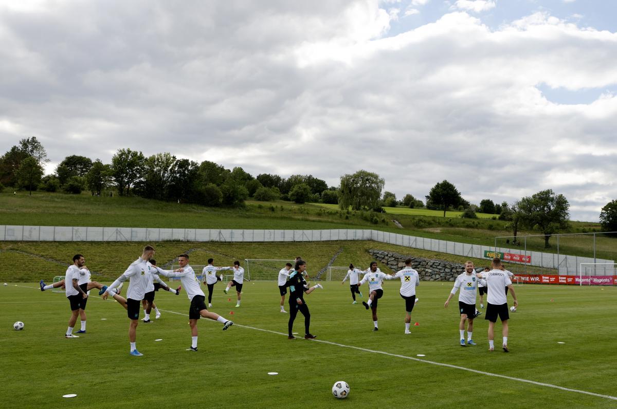 Тренування австрійців напередодні Євро-2020 / фото REUTERS