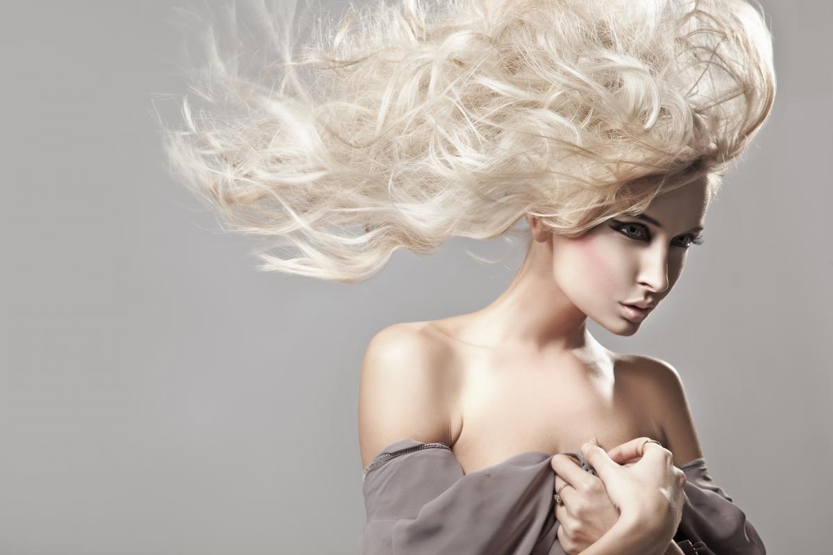 Навколо блондинок існує купа міфів / фото ua.depositphotos.com