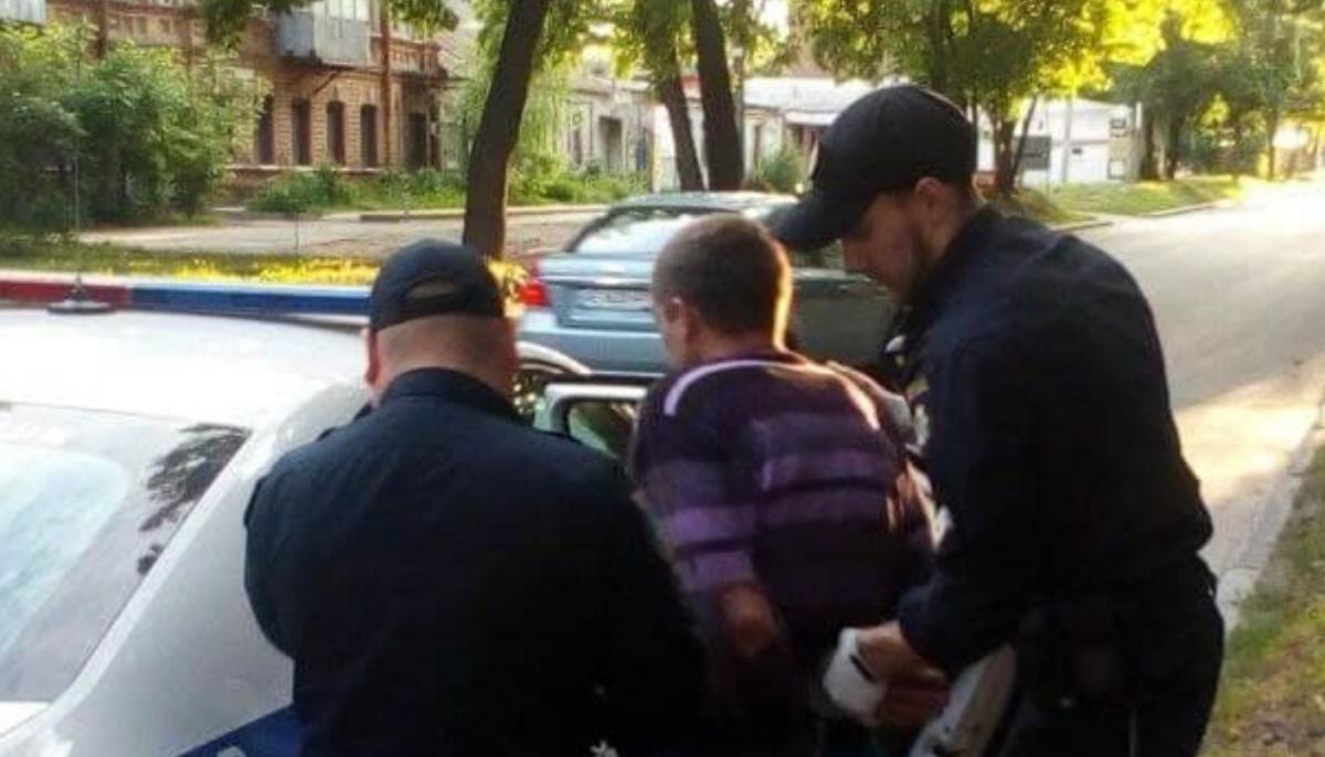 В Днепре пьяный дебошир полез в драку с медиками / фото t.me/Dneproperativnyj