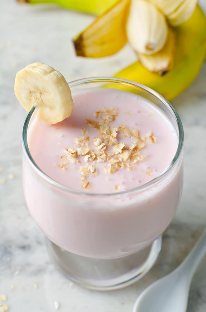 Банановый молочный коктейль / фото ua.depositphotos.com