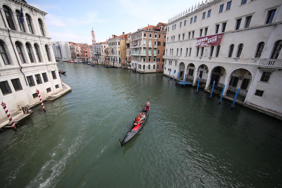 Венеция практически полностью снимает карантинные ограничения / фото REUTERS