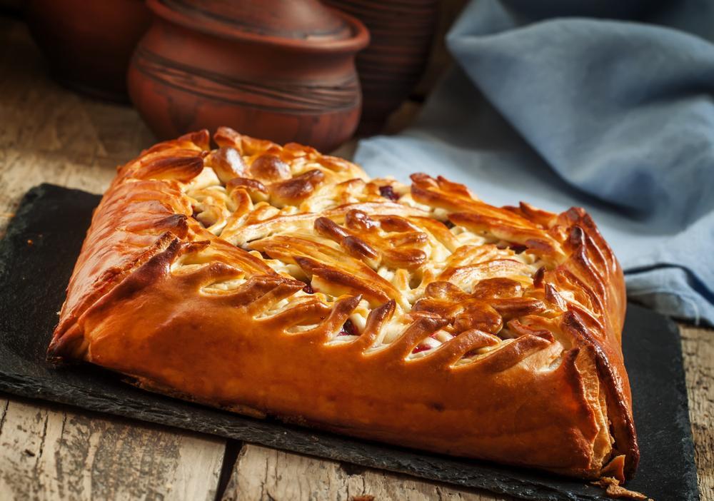 Пирог с луком на Вознесение / фото ua.depositphotos.com