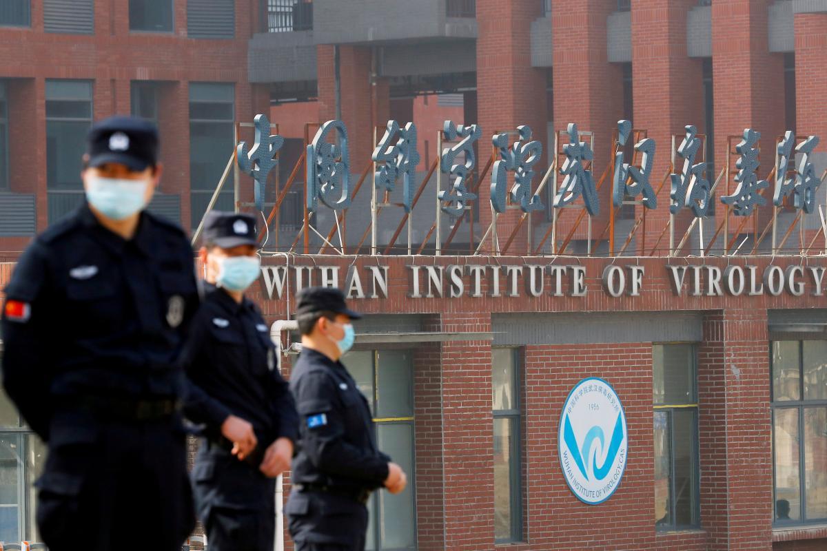 Китай вновь отказывается предоставлять данные о коронавирусе / REUTERS