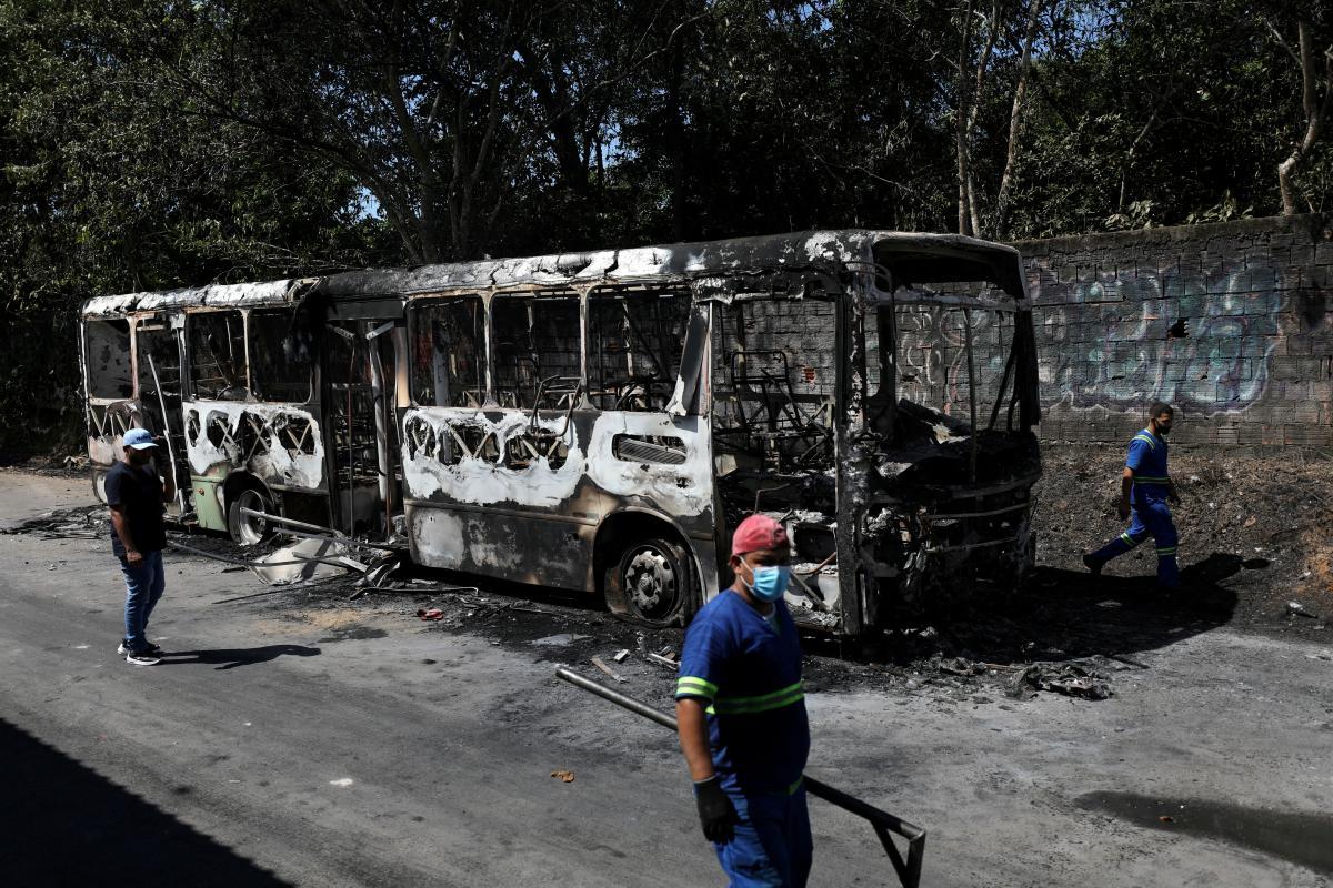 Бразильский город Манаус охватили беспорядки после убийства наркоторговца / фото REUTERS / Bruno Kelly
