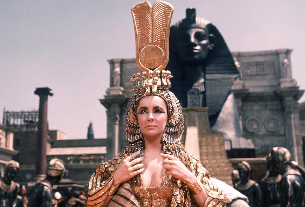 У 1963 році в Нью-Йорку пройшла прем'єра фільму «Клеопатра»з Елізабет Тейлор у головній ролі / скріншот кадру з фільму «Клеопатра»