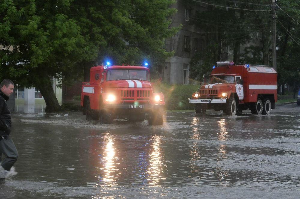 Мощный ливень затопил Мариуполь / фото ГСЧС