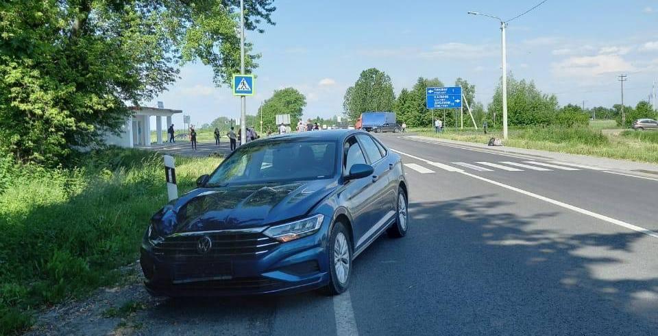 """На Львовщине водитель """"Фольксвагена"""" насмерть сбил мужчину / фото LMN"""