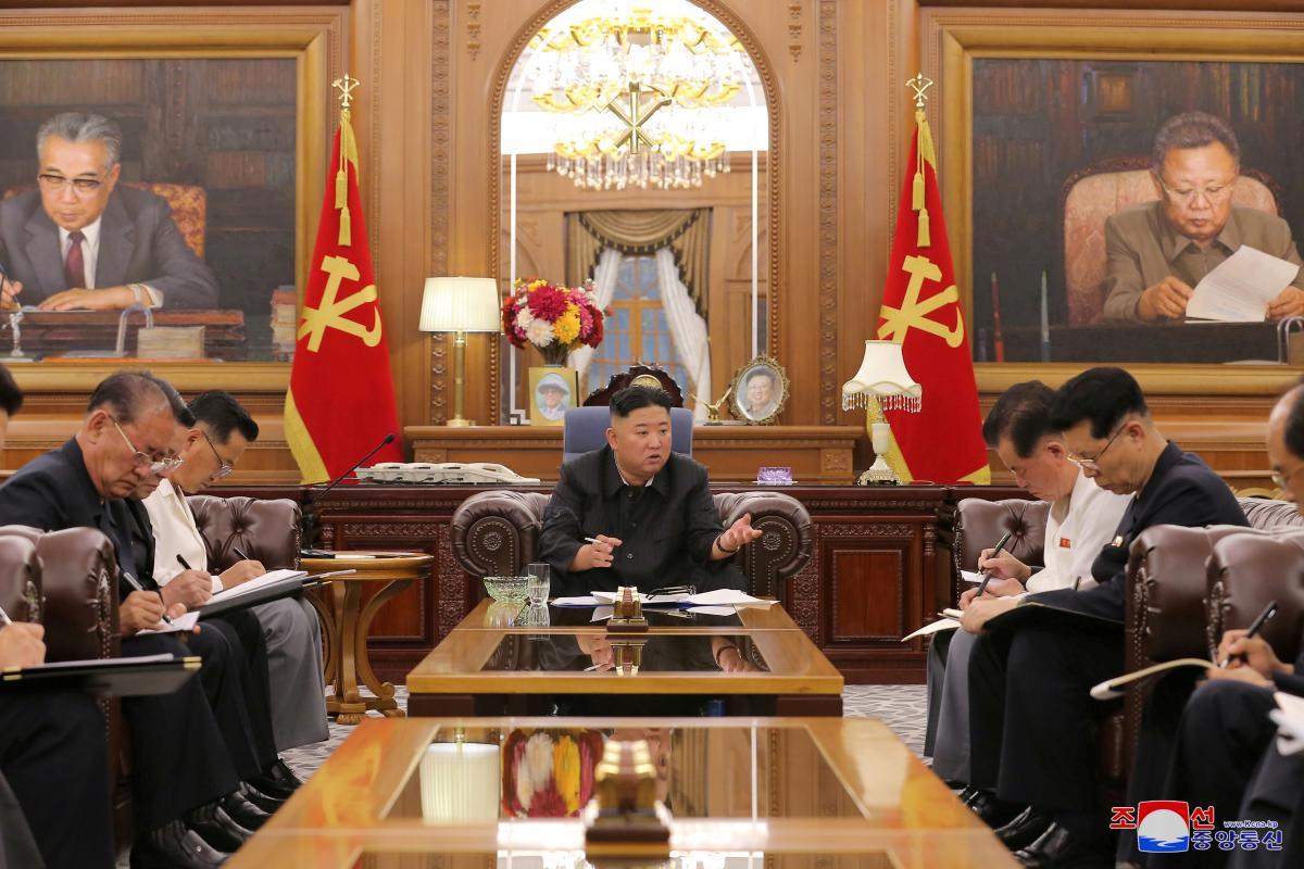 Ким Чен Ын заметно похудел/ фото REUTERS