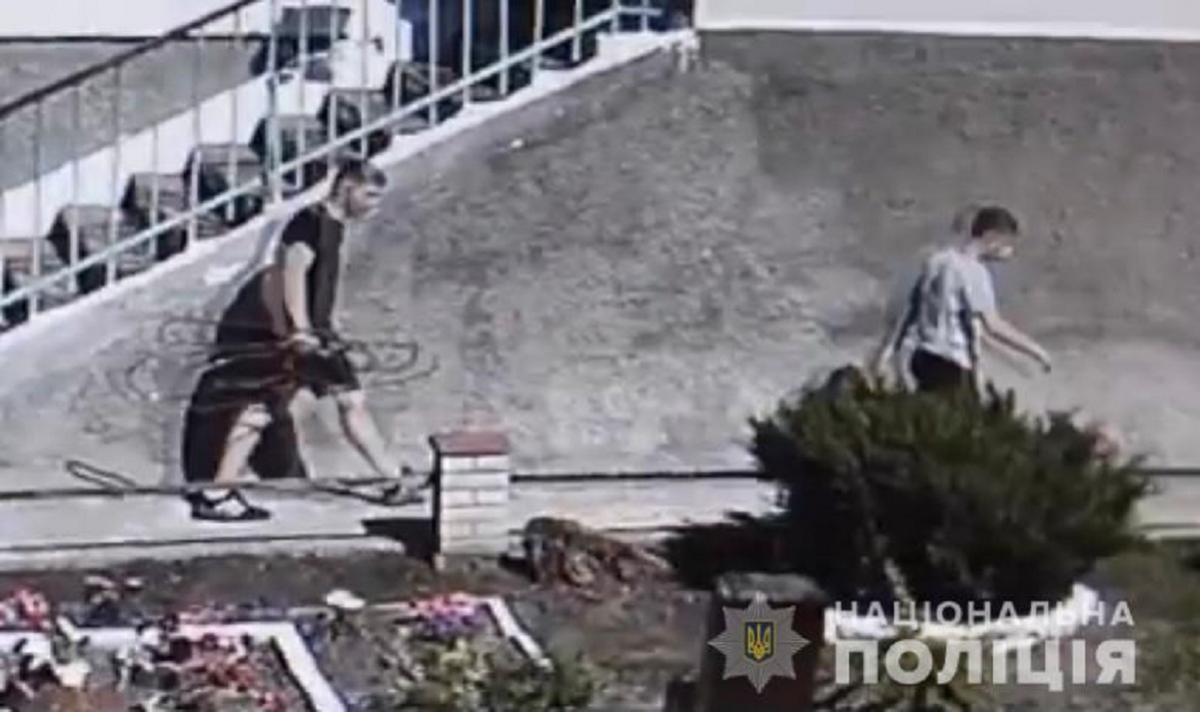 """Підлітків встановили за допомогою системи відеонагляду """"Безпечне місто"""" / фото vn.npu.gov.ua"""