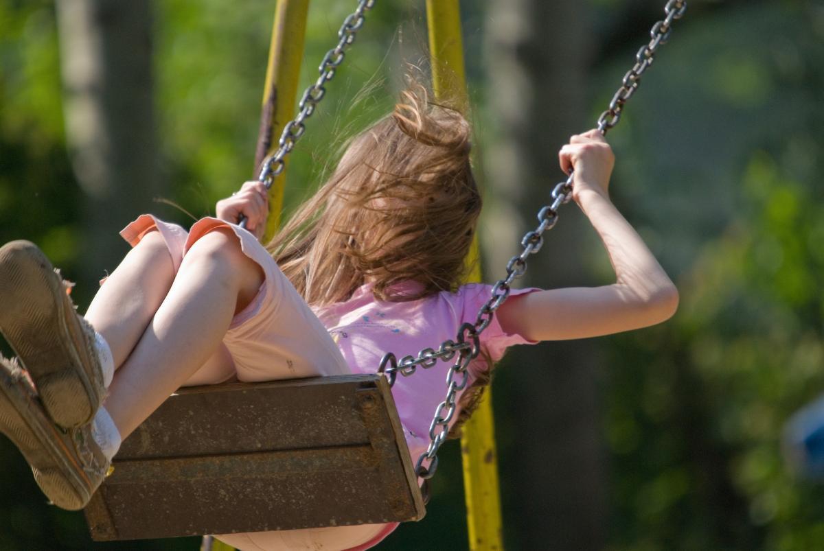Мужчина на детской площадке жестоко избил 14-летнюю девочку / фотоua.depositphotos.com