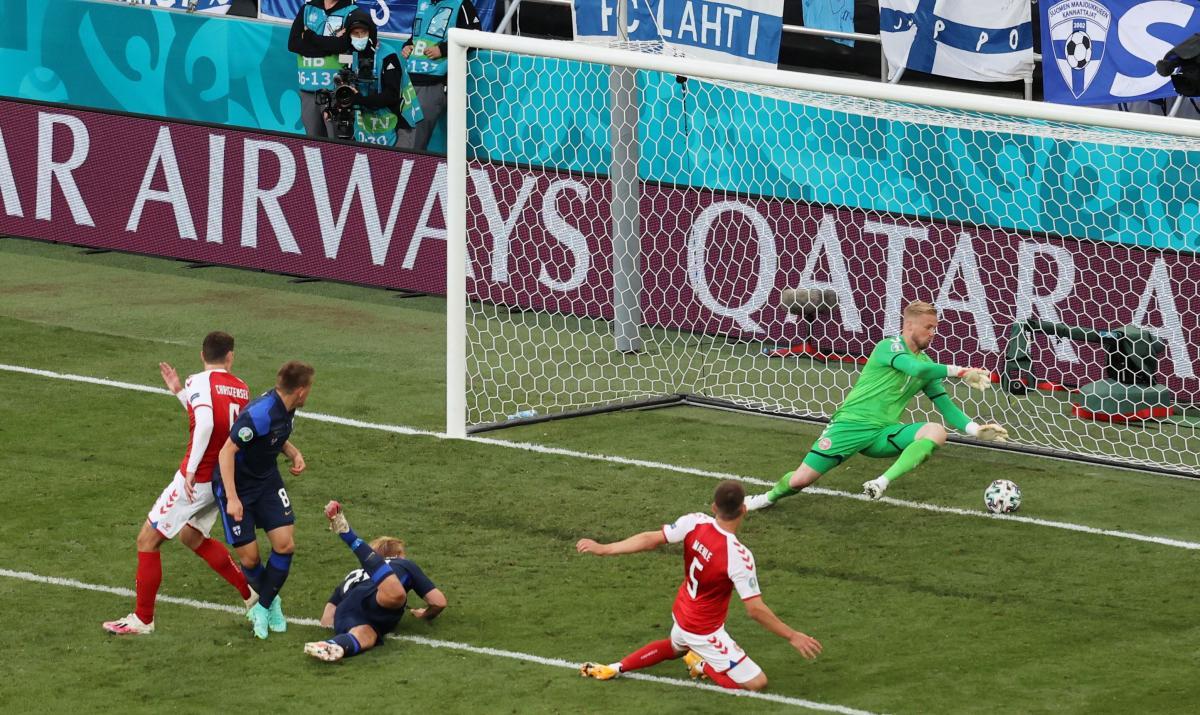 Гол в ворота сборной Дании / фото REUTERS