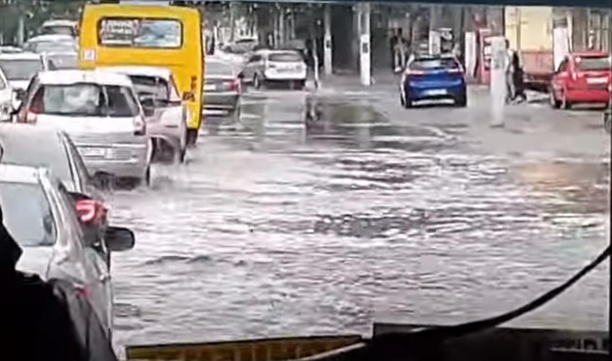Одесу затопило / скріншот відео