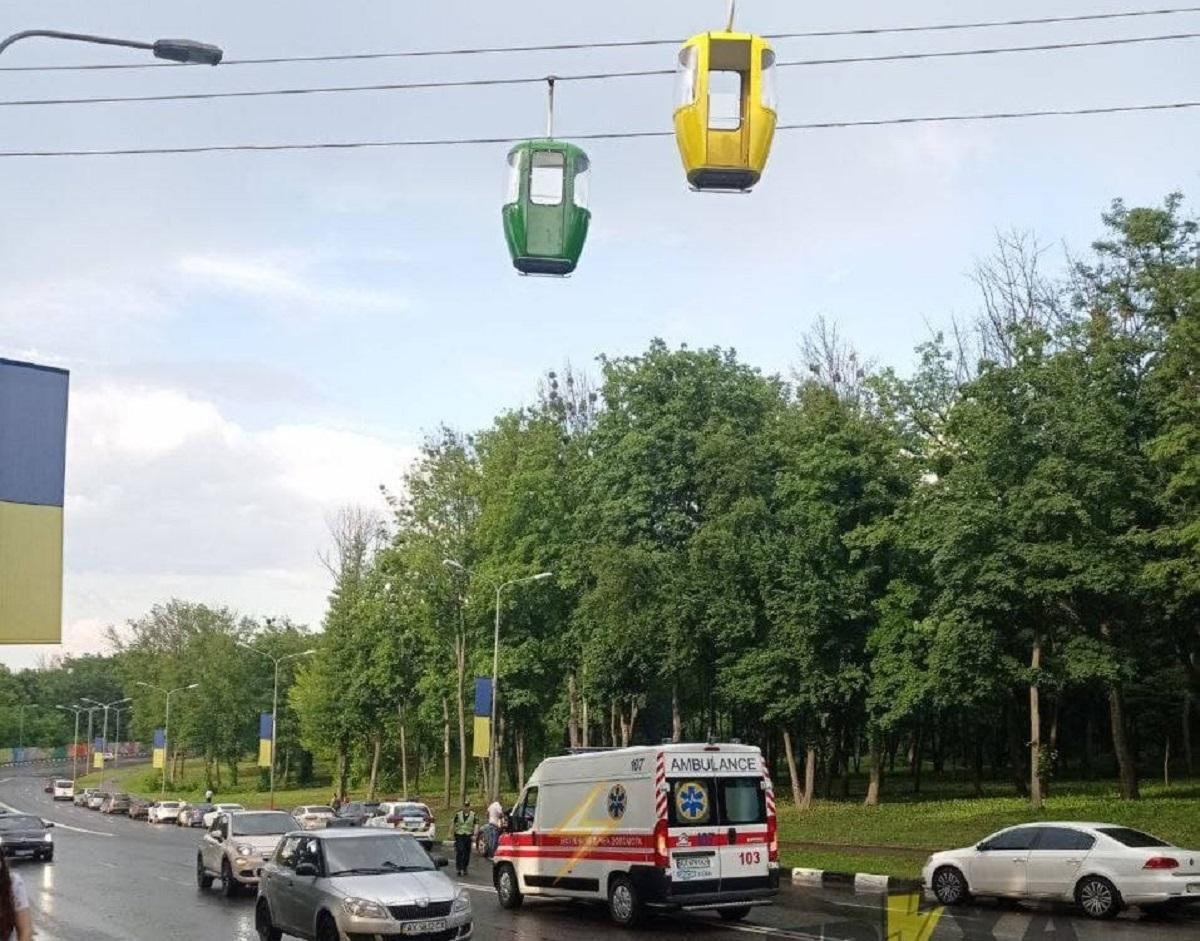 На канатной дороге в Харькове чуть не погиб несовершеннолетний / t.me/truexanews