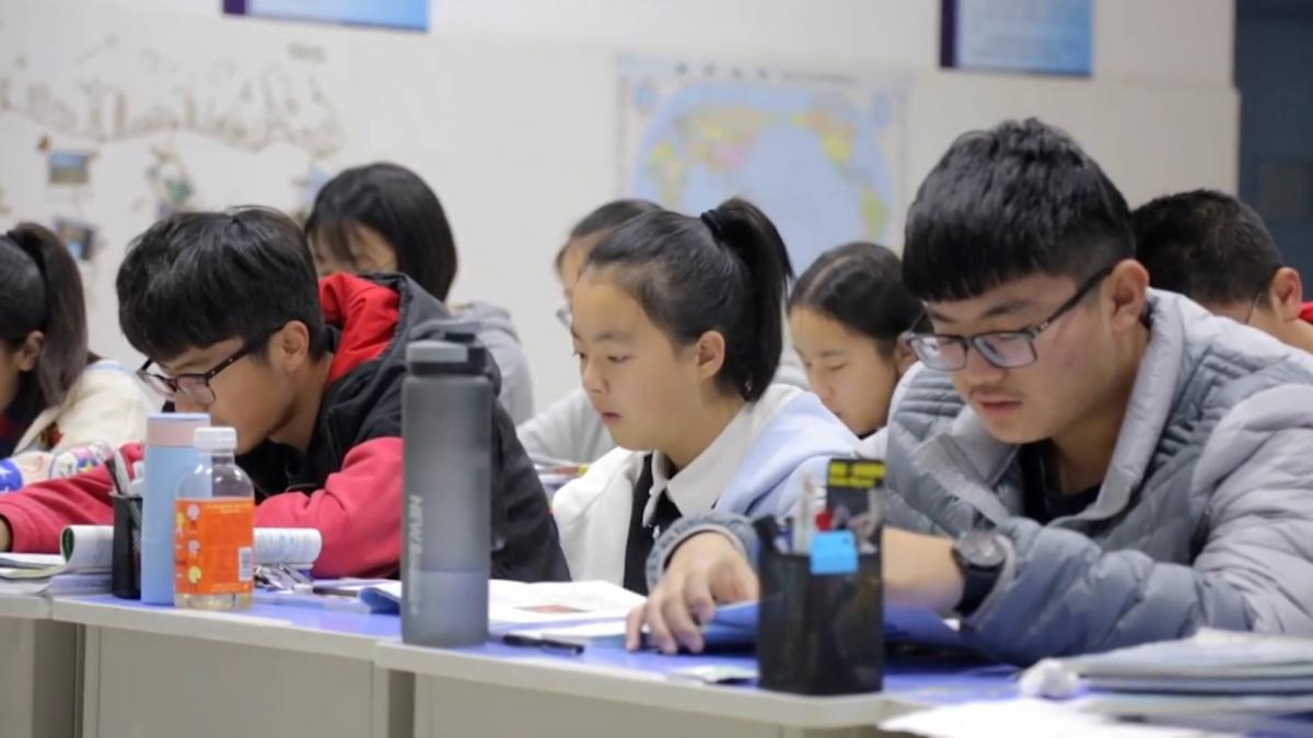 Більшість українців працює викладачами англійської мови для дітей та підлітків