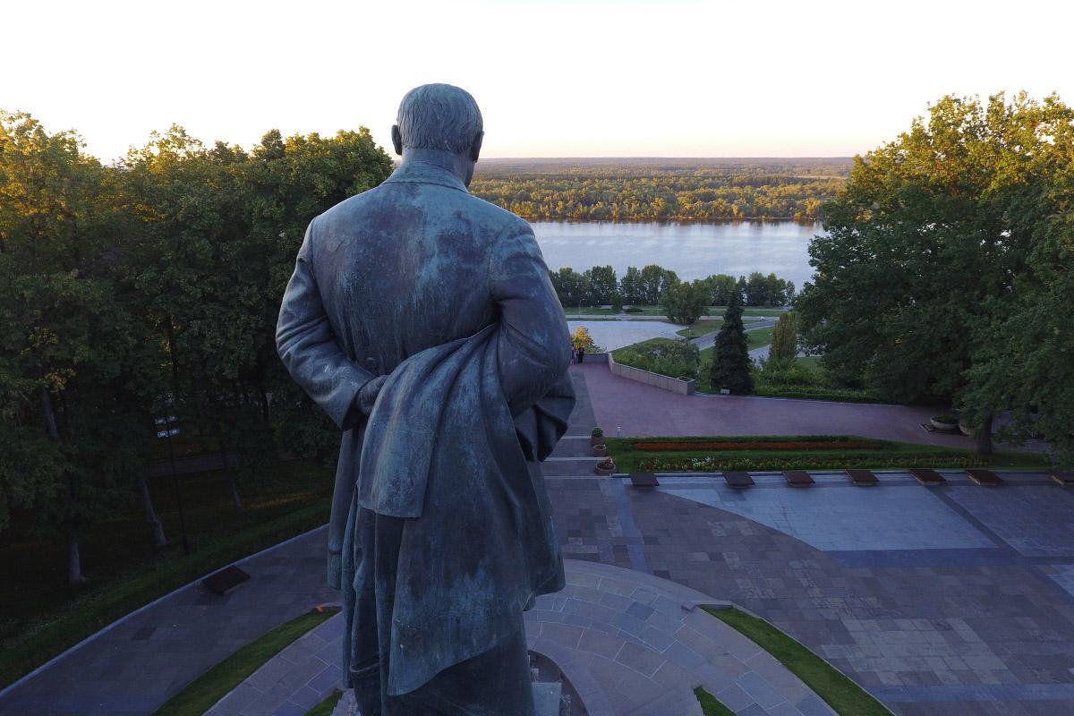 В 1939 году в Каневе на могиле Тараса Шевченко был открыт памятник великому поэту / фото dzvin.media