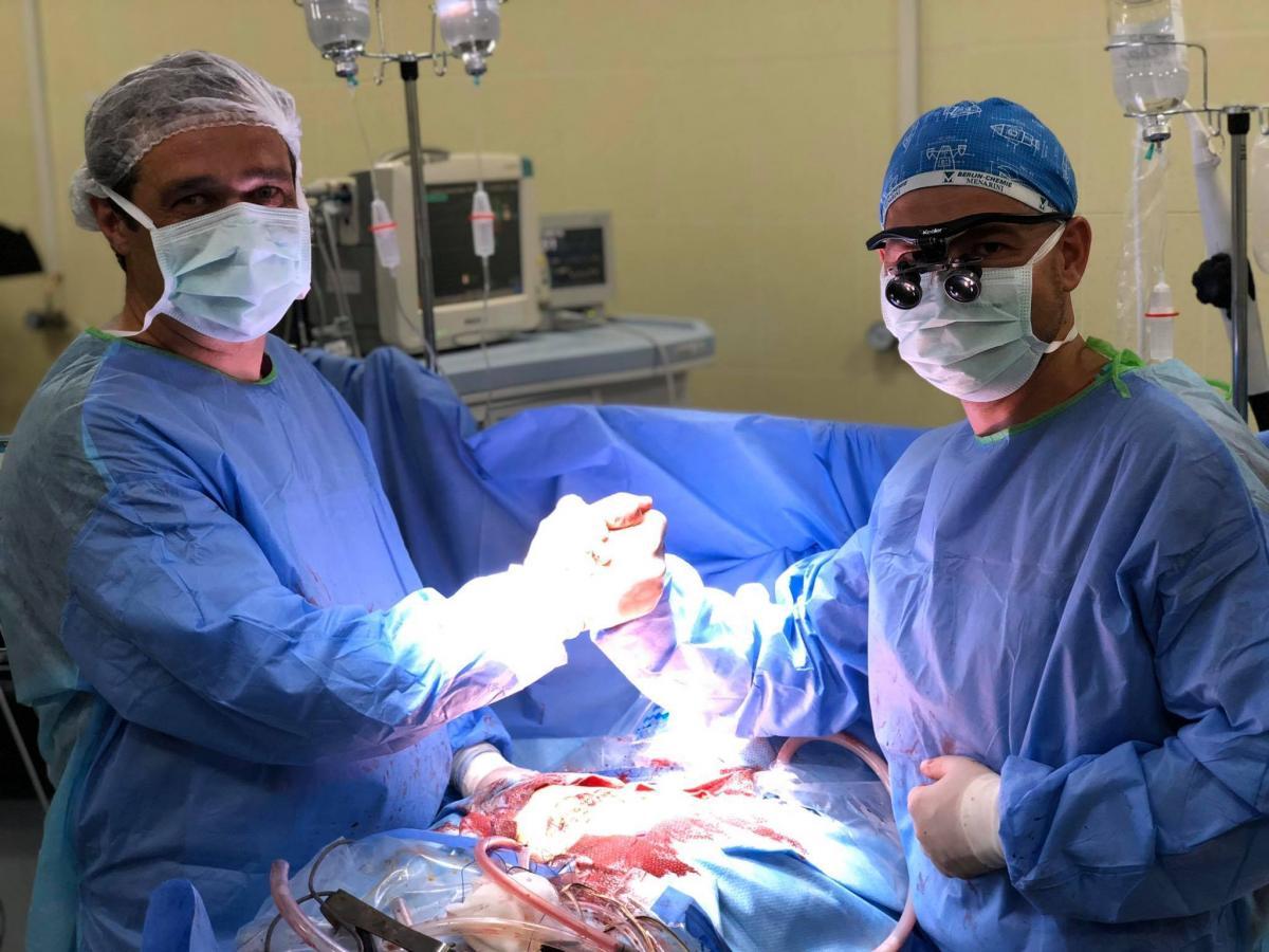 Ми провели 10 трансплантацій серця, пересадили дві печінки, а нирок вже й точно не скажу, але не менше 50-ти / фото facebook.com/domashych.rv