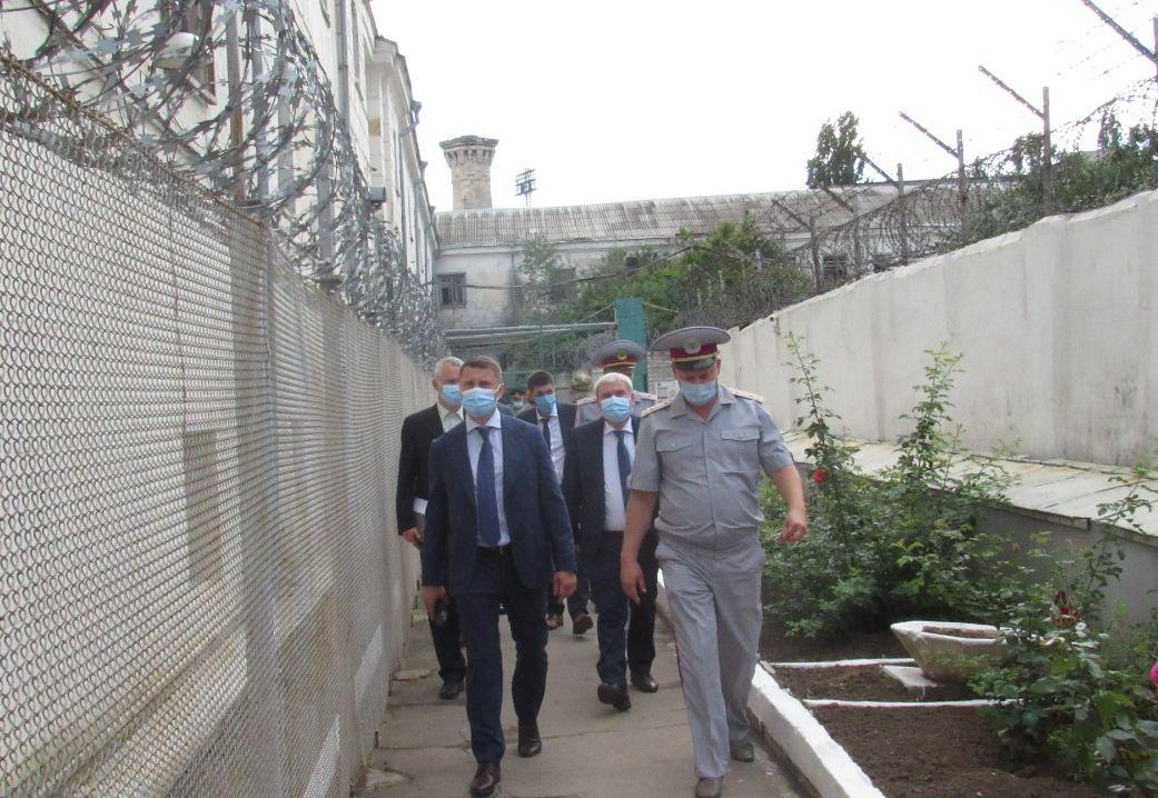Офис генпрокурора требует прекратить эксплуатацию аварийного Херсонского следственного изолятора / фото gp.gov.ua