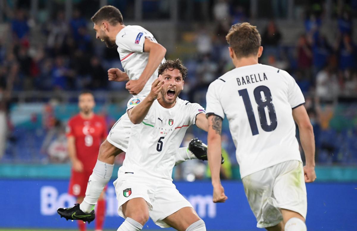 Николо Барелла и Мануэль Локателли - основные игроки центра поля Италии / фото REUTERS
