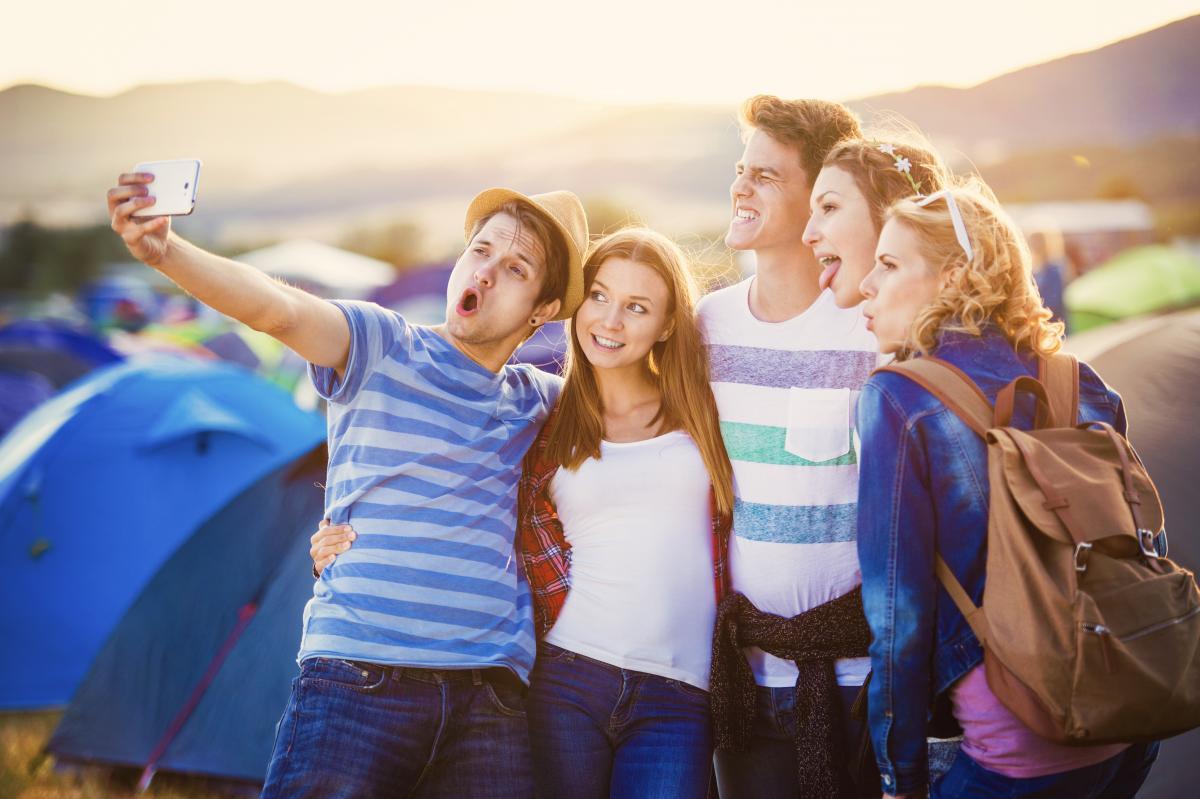 День молодежи - лучшие поздравления / фото ua.depositphotos.com
