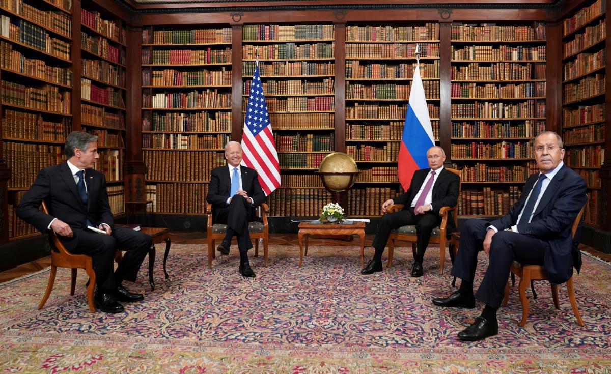 Путін дякує Байдену за ініціативу зустрітися, Байден відповідає, що завжди краще говорити особисто / фото REUTERS