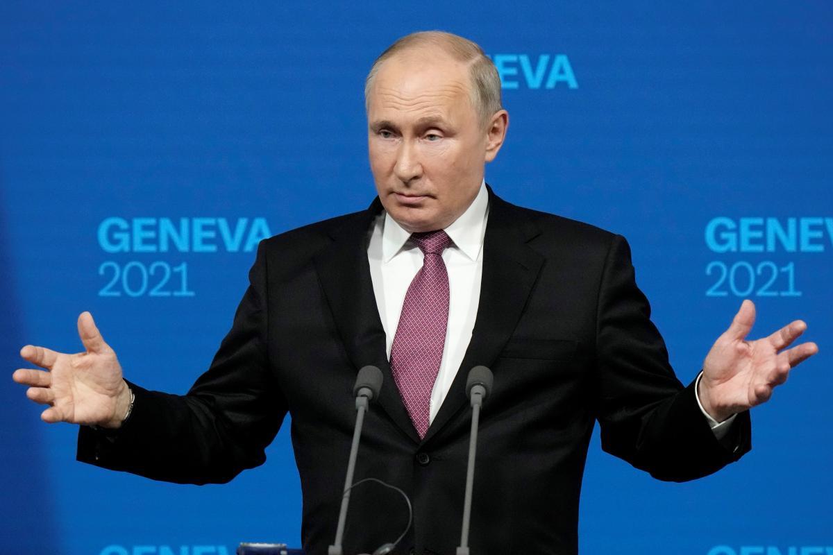 """Путин заявил, чтоНАТО отказывается конструктивно рассмотретьпредложения РФ по """"снижению риска непредсказуемых инцидентов"""" / фото Reuters"""