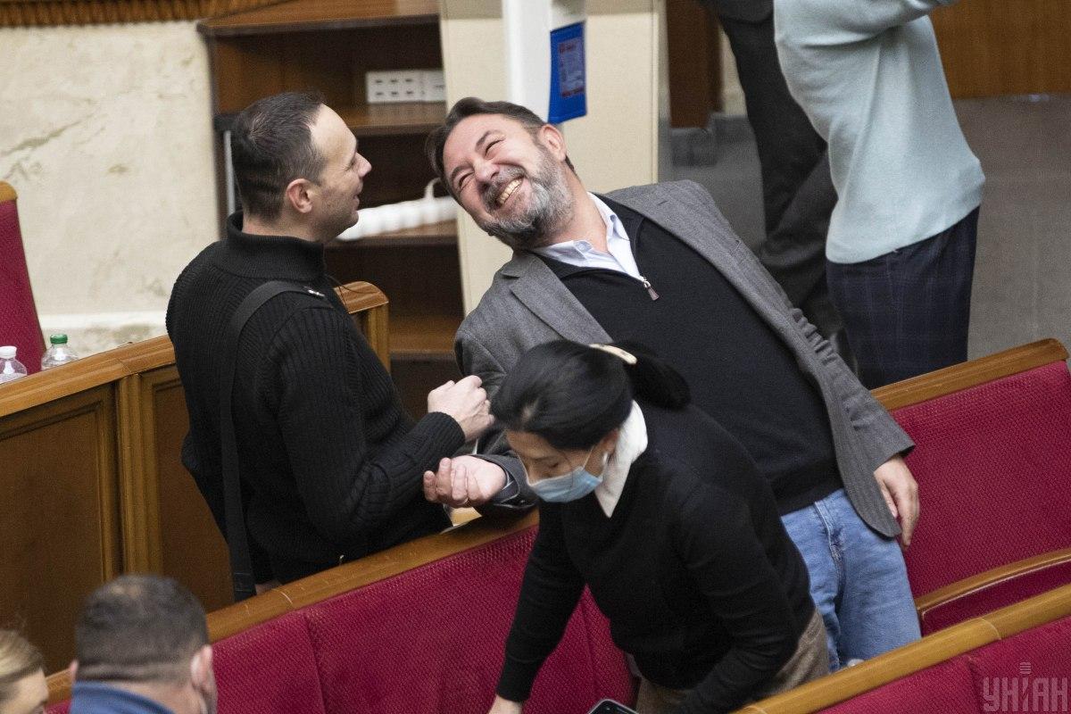 Потураєв заявив з трибуни, що повсталий народ викине фракцію «ОПЗЖ» з парламенту і розстріляє» / Фото УНІАН, Олександр Кузьмін