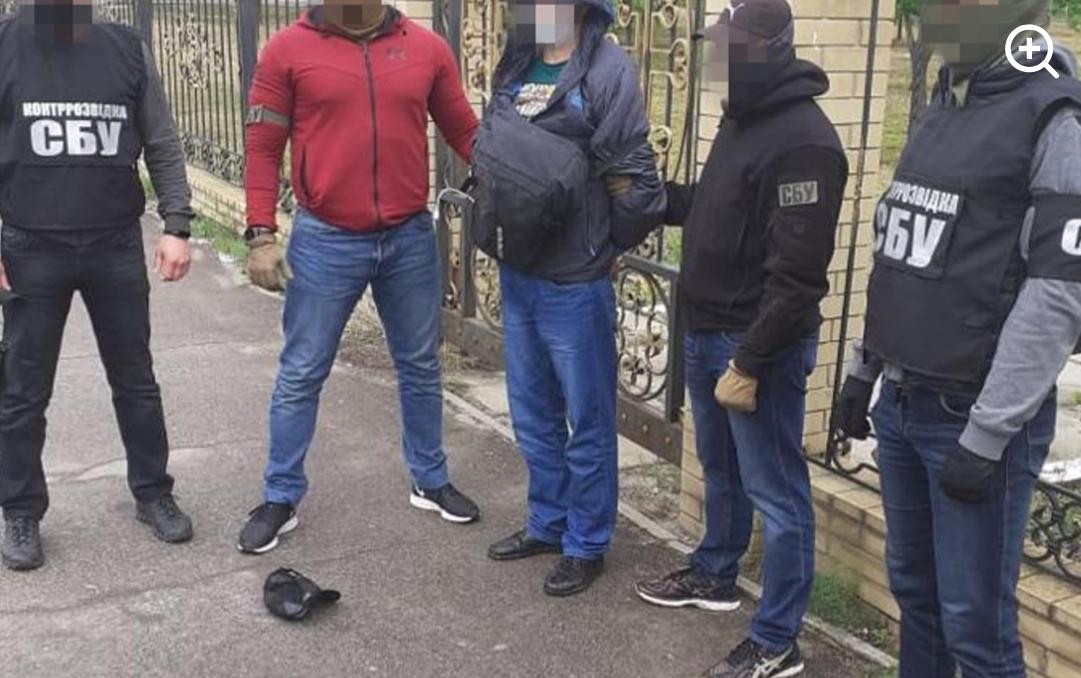 На Донбассе террорист пытался взорвать военного / СБУ