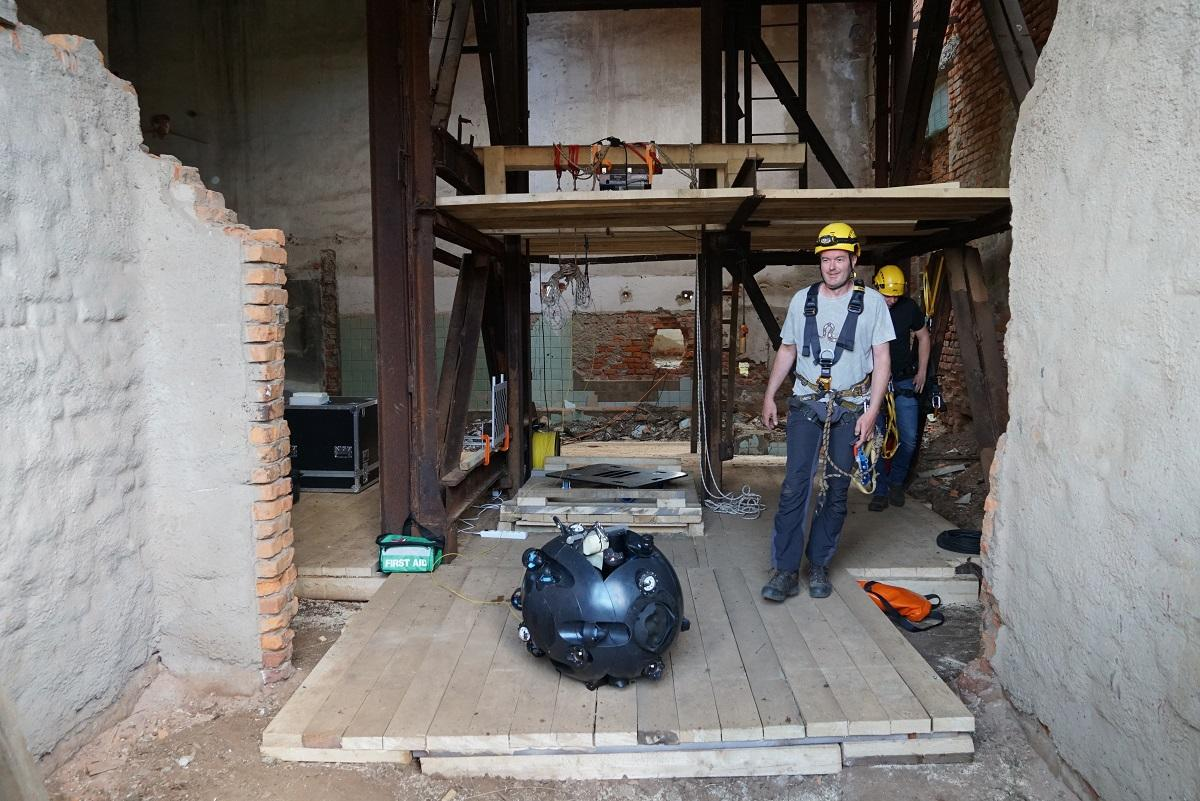 Спеціальний робот створили в Угорщині \ фото УНІАН