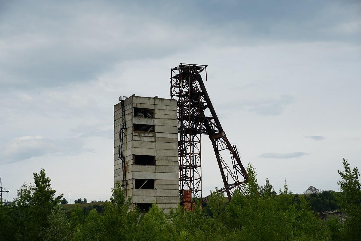 У Солотвині почали дослідження руїн соляної шахти \ фото УНІАН